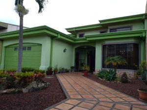 Casa En Ventaen Moravia, Moravia, Costa Rica, CR RAH: 19-955