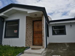Casa En Ventaen Santa Barbara, Santa Barbara, Costa Rica, CR RAH: 19-952