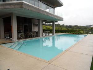 Apartamento En Alquileren La Uruca, San Jose, Costa Rica, CR RAH: 19-957