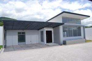 Casa En Alquileren Santa Ana, Santa Ana, Costa Rica, CR RAH: 19-964