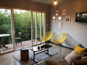 Apartamento En Alquileren Rio Oro, Santa Ana, Costa Rica, CR RAH: 19-971