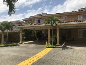 Casa En Ventaen Guachipelin, Escazu, Costa Rica, CR RAH: 19-985