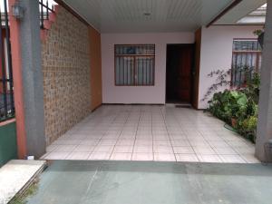 Casa En Ventaen El Tejar, El Guarco, Costa Rica, CR RAH: 19-1013