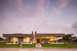 Casa En Ventaen La Garita, Alajuela, Costa Rica, CR RAH: 19-1014