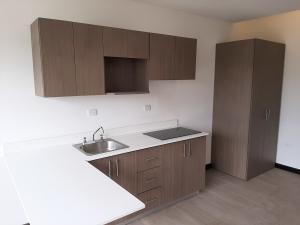 Apartamento En Alquileren Santa Ana, Santa Ana, Costa Rica, CR RAH: 19-1028
