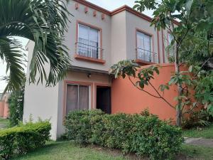 Casa En Ventaen Santa Ana, Santa Ana, Costa Rica, CR RAH: 19-1031