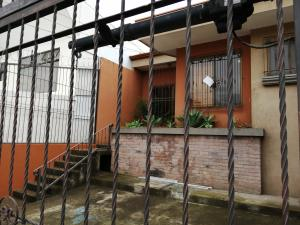 Casa En Alquileren La Uruca, San Jose, Costa Rica, CR RAH: 19-1030