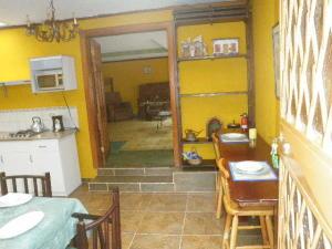 Apartamento En Alquileren San Antonio, Escazu, Costa Rica, CR RAH: 19-1051