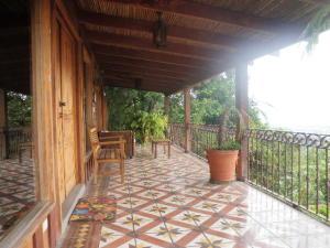 Apartamento En Alquileren San Antonio, Escazu, Costa Rica, CR RAH: 19-1065