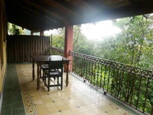 Apartamento En Alquileren San Antonio, Escazu, Costa Rica, CR RAH: 19-1063