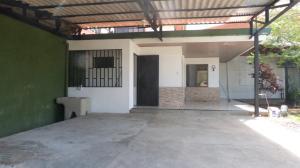 Casa En Alquileren Rio Oro, Santa Ana, Costa Rica, CR RAH: 19-1083