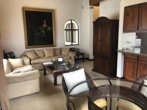 Casa En Ventaen Granadilla, Curridabat, Costa Rica, CR RAH: 19-1093