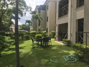 Apartamento En Alquileren Brasil De Santa Ana, Santa Ana, Costa Rica, CR RAH: 19-1094
