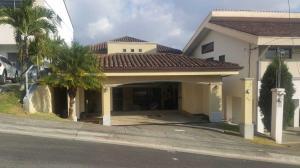 Casa En Ventaen Heredia, Heredia, Costa Rica, CR RAH: 19-1163