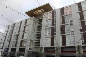 Apartamento En Alquileren Sabanilla, Montes De Oca, Costa Rica, CR RAH: 19-1146