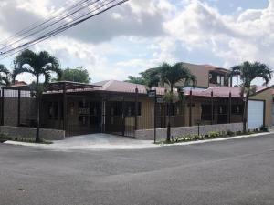 Casa En Alquileren Belen, Heredia, Costa Rica, CR RAH: 19-1152