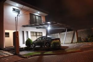 Casa En Ventaen Lomas De Ayarco Sur, Curridabat, Costa Rica, CR RAH: 19-1169