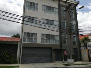 Apartamento En Alquileren Sabana, San Jose, Costa Rica, CR RAH: 19-1196