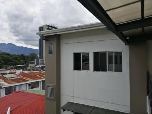 Apartamento En Alquileren Sabana, San Jose, Costa Rica, CR RAH: 19-1194