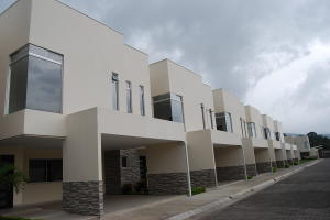 Casa En Ventaen Santa Ana, Santa Ana, Costa Rica, CR RAH: 19-1220