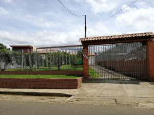 Casa En Ventaen Desamparados, Alajuela, Costa Rica, CR RAH: 19-1234