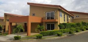 Casa En Alquileren Ulloa, Heredia, Costa Rica, CR RAH: 19-1294