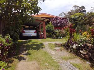 Casa En Ventaen Paraiso, Cartago, Costa Rica, CR RAH: 19-1313