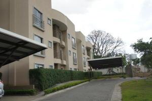 Apartamento En Alquileren La Guacima, Alajuela, Costa Rica, CR RAH: 19-1315