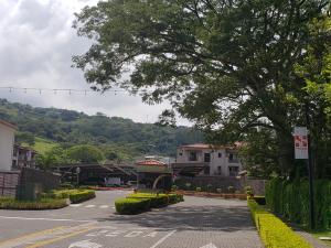 Apartamento En Alquileren Brasil De Santa Ana, Santa Ana, Costa Rica, CR RAH: 19-1402