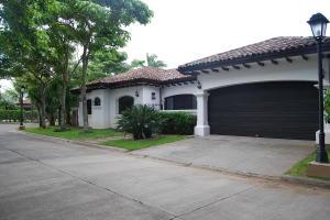 Casa En Alquileren Pozos, San Jose, Costa Rica, CR RAH: 19-1354
