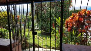 Casa En Ventaen Trejos Montealegre, Escazu, Costa Rica, CR RAH: 19-1356