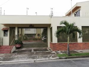 Apartamento En Ventaen Rohrmoser, Pavas, Costa Rica, CR RAH: 19-1400