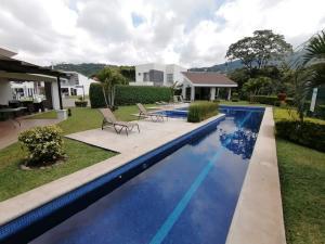 Terreno En Ventaen Pozos, Santa Ana, Costa Rica, CR RAH: 19-1418