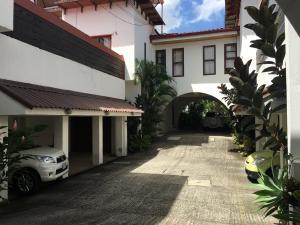 Casa En Alquileren Barrio Dent, Montes De Oca, Costa Rica, CR RAH: 19-1427