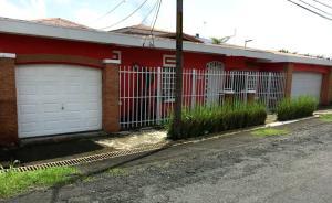 Casa En Ventaen Guapiles, Pococi, Costa Rica, CR RAH: 19-1432
