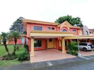 Casa En Ventaen Sabanilla, Montes De Oca, Costa Rica, CR RAH: 19-1506