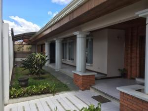 Casa En Ventaen El Tejar, El Guarco, Costa Rica, CR RAH: 19-1573