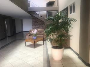 Apartamento En Alquileren Escazu, Escazu, Costa Rica, CR RAH: 19-1545