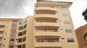Apartamento En Alquileren Escazu, Escazu, Costa Rica, CR RAH: 19-1550