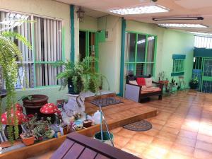 Casa En Ventaen Tibas, Tibas, Costa Rica, CR RAH: 19-1553