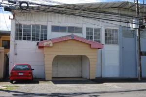 Local Comercial En Alquileren Pozos, Santa Ana, Costa Rica, CR RAH: 19-1579