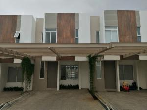 Casa En Alquileren Pozos, Santa Ana, Costa Rica, CR RAH: 19-1596