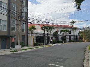 Apartamento En Alquileren Sabana, San Jose, Costa Rica, CR RAH: 19-1599