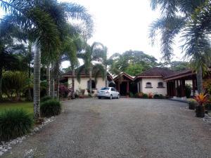 Casa En Ventaen Guapiles, Pococi, Costa Rica, CR RAH: 19-1615