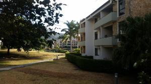 Apartamento En Alquileren Santa Ana, Santa Ana, Costa Rica, CR RAH: 19-1645