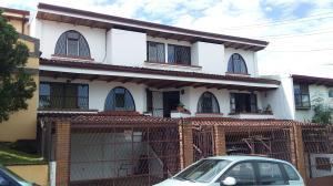 Apartamento En Alquileren Curridabat, Curridabat, Costa Rica, CR RAH: 19-1688