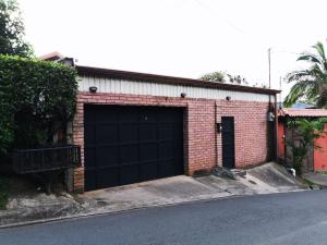 Casa En Ventaen Santa Ana, Santa Ana, Costa Rica, CR RAH: 19-1698