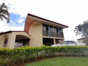 Casa En Ventaen La Guacima, Alajuela, Costa Rica, CR RAH: 19-1705