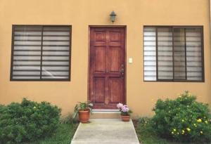 Apartamento En Alquileren Sabanilla, Montes De Oca, Costa Rica, CR RAH: 20-2