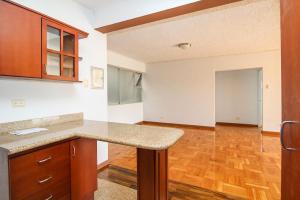 Apartamento En Alquileren San Pedro, Montes De Oca, Costa Rica, CR RAH: 20-25